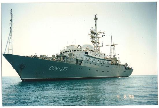 俄军间谍船抵近美国家门口侦察 美军宙斯盾舰监视