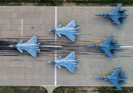 中国空军另一踹门组合公开 比歼20加歼16编队更实用