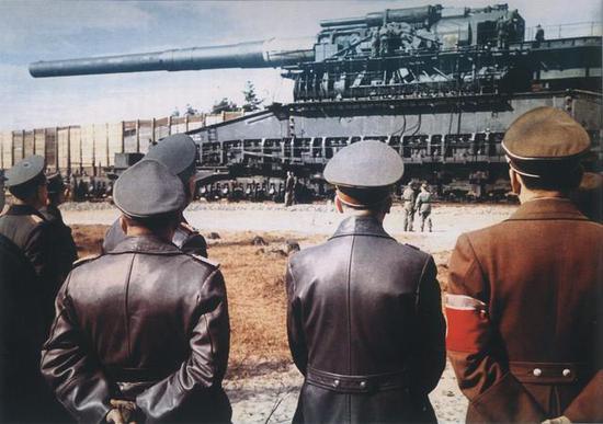 最大火炮有多大?日本大和号战列舰巨炮只是小字辈