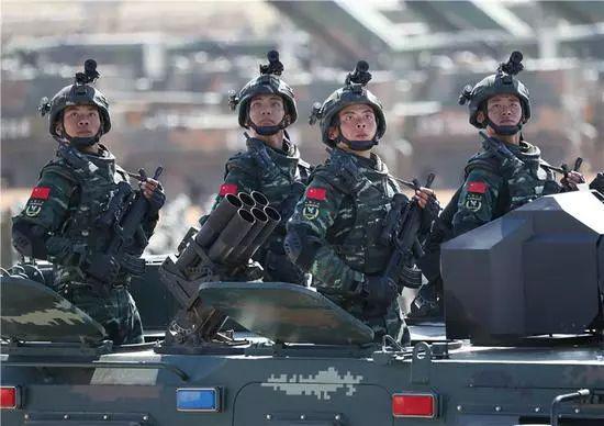 美国防预算超中国4倍 还好意思说中国军费高