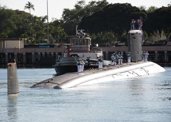 美两艘密苏里号军舰首次同框 名字一样用法却大不同