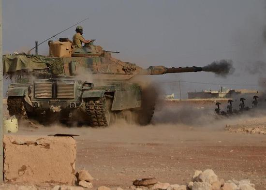 豹2坦克为何屡次被俄老式导弹暴打 其致命弱点曝光