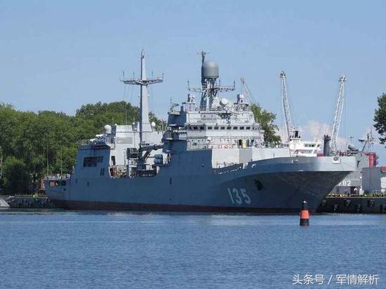 俄罗斯20年造一艘军舰获普京嘉奖 排水量不及055一半