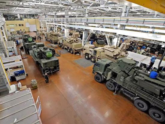 俄媒:俄手握超500亿美元武器出口订单 中国占11%