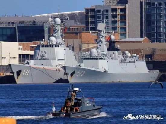 中国海军在印度洋成三角阵部署 东西南各