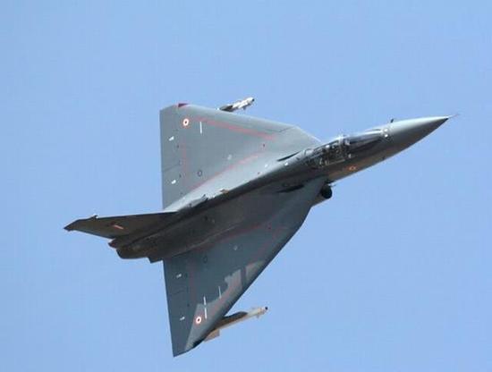 印度空军求购36架法国阵风 遭政府强烈反对逼迫买LCA