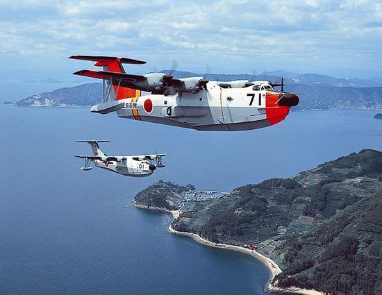 中国AG600水上飞机首飞 起降性能与日本飞机仍有差距