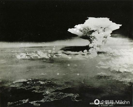 广岛核爆产生的蘑菇云