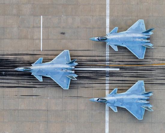 歼20刚加入作战部队之际 驻日美军被曝下令撤走F35