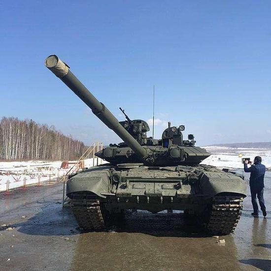 俄坦克卖疯了,至少1400辆订单