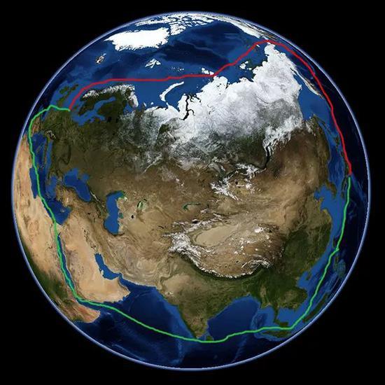 北极东北航道(红)与传统航道(绿)示意图