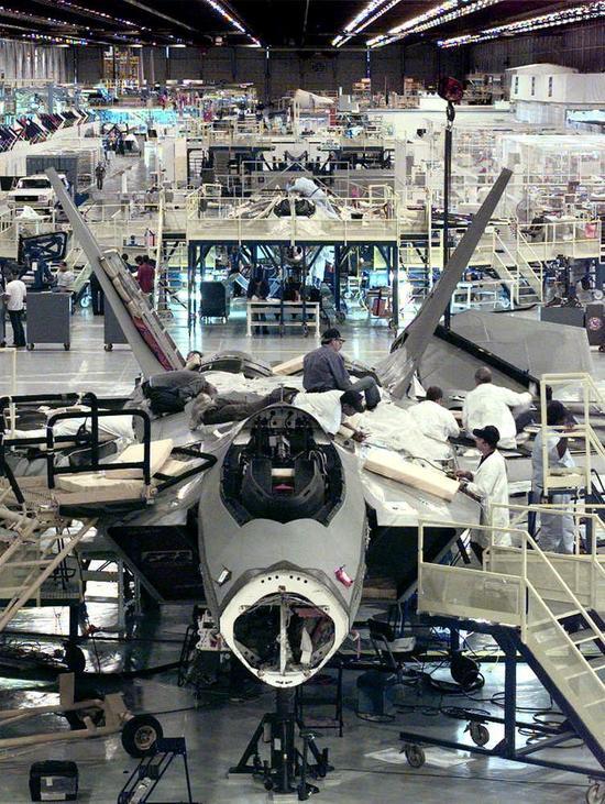 美军五代机之间的优势共享 技术进步使作战更简单