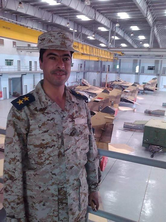 被胡赛武装导弹击中的沙特F15战机疑似带伤返航