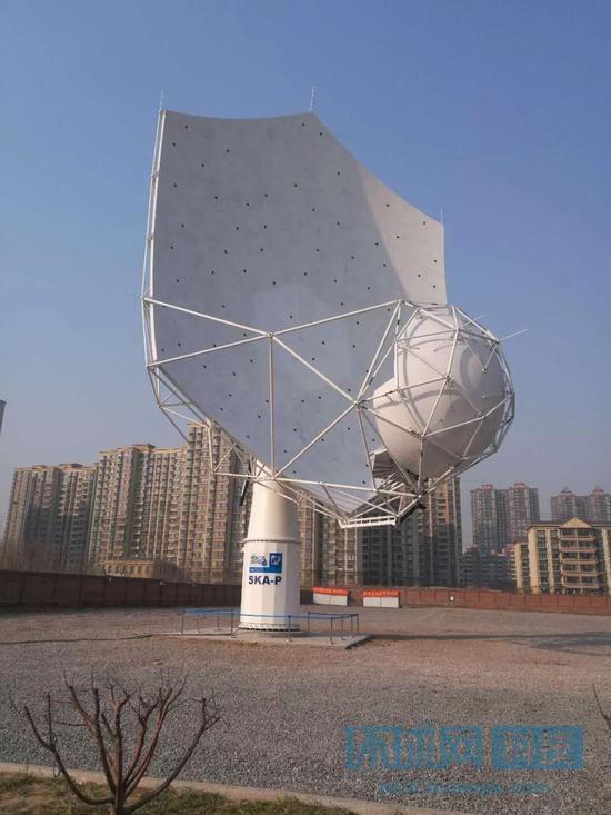 中国最大射电望远镜天线启动 面积超半个篮球场(图)