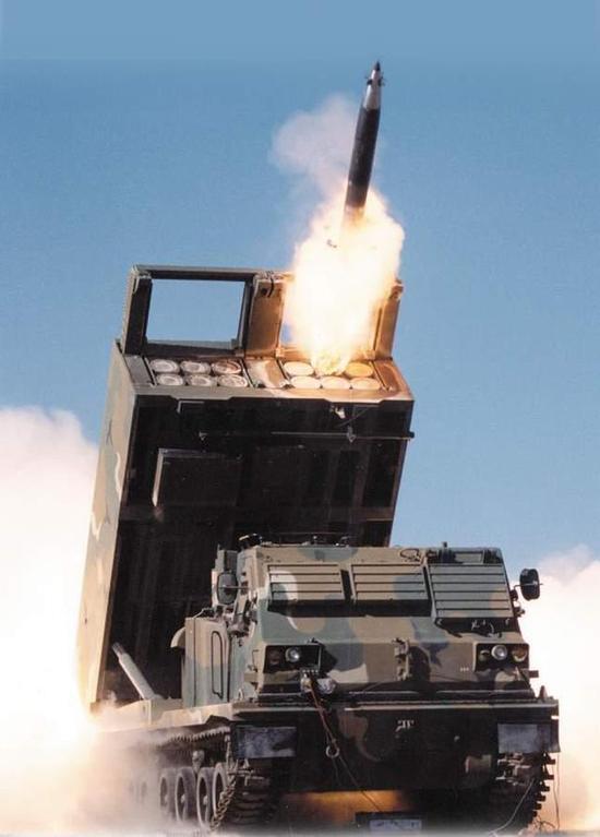 一发炮弹抵一辆豪车 中国最强火箭炮一次齐射灭一城