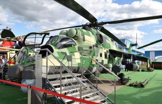 米-24P-1M改良型武曲初次正在莫斯科航展上表态。(俄罗斯国防部)