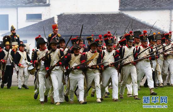 英国研究人员:拿破仑滑铁卢战败或因印尼火山喷发