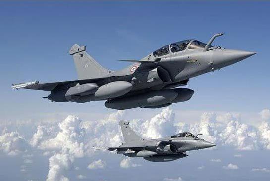 印度空军已流失近800名飞行员 加入民航后工资涨3倍