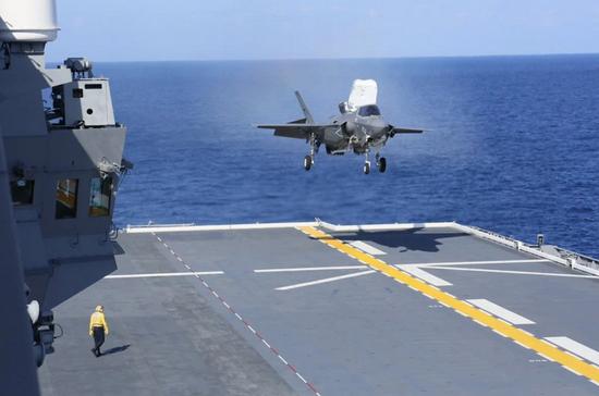 外媒评出云号起降F35B:性能比中国舰载机更好