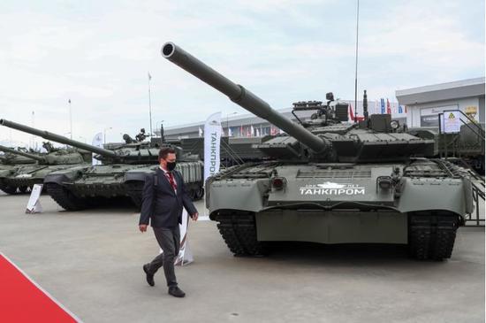 还没列装就下马?美媒:俄或用神秘坦克取代阿玛塔