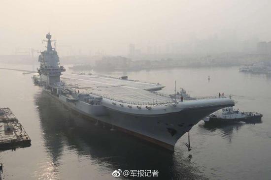 中国首艘国产航母出海试验 来源:军报记者