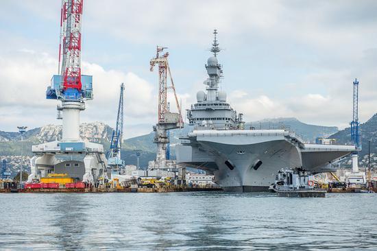法国航母完成维修出坞 返回海上时中国已有两艘航母