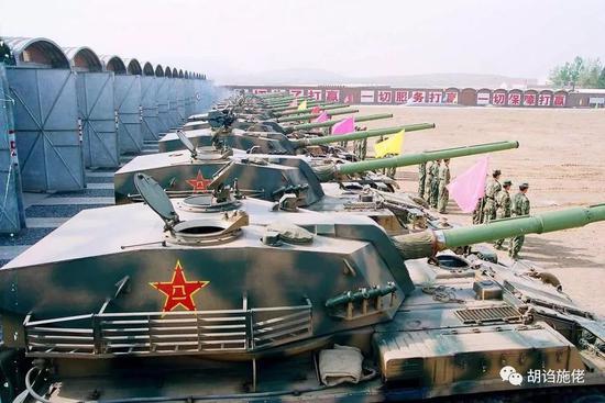 ▲ 作为89式自行反坦克炮的主炮,120毫米滑膛炮在上世纪90年代是中国威力最大的反坦克炮,没有之一