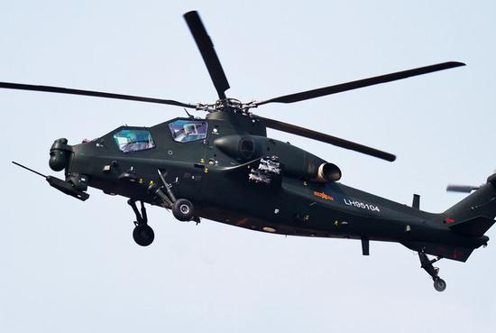 直10直升机列装陆军航空兵学院后首飞开训