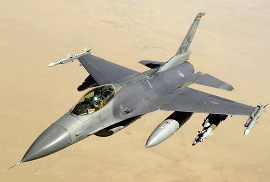 印媒:中印共有近600架苏27系列战机 F16装备量第一