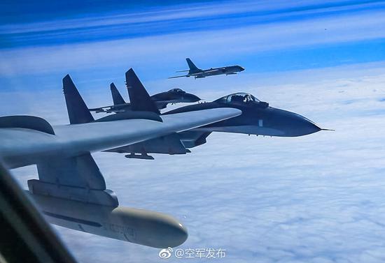 中国空军轰6K等多型战麦肯锡卓越工作方法机飞赴西太训练 同时战巡