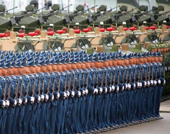 解放军驻港部队副政委:坚决同邪恶分裂势力做斗争