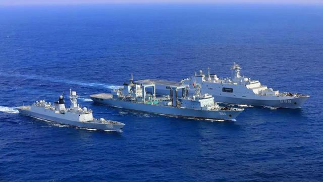 歡迎英雄凱旋!我海軍第31批護航編隊圓滿完成任務返港