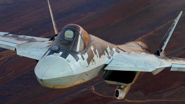 不管隱身了?俄軍蘇57戰機攜掛新吊艙再曝新照