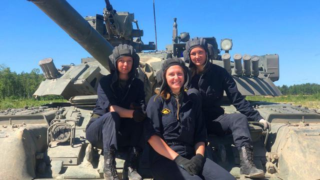 女子車組駕駛!俄T-80燃氣輪機坦克將參加坦克兩項大賽