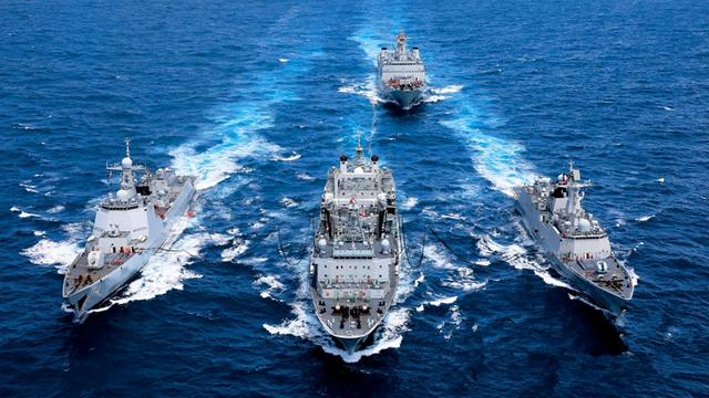 进军太平洋!南海舰队多型主力战舰远海实战演练