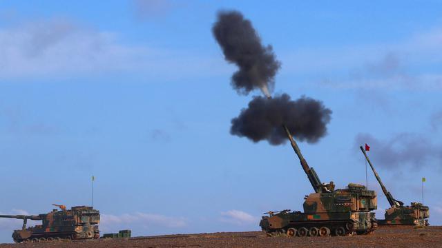 实弹打出战力!我PLZ-05自行火炮西北戈壁狂秀火力