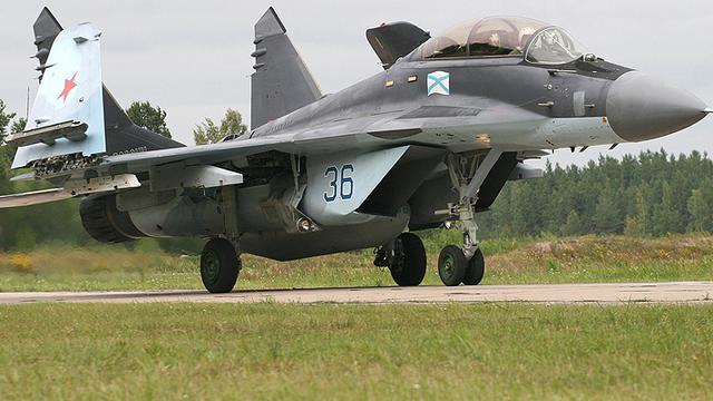 没航母的日子真难过!俄海军米格-29K舰载机陆上训练