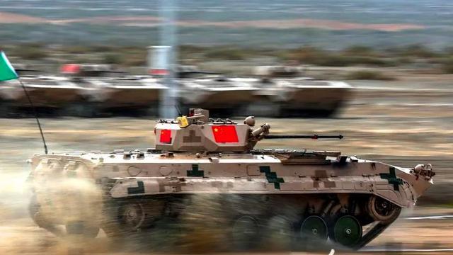 国际军事比赛精彩镜头:感受解放军赛场上的飒爽英姿