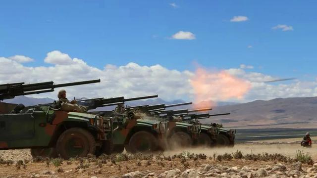 撼动世界屋脊!陆军某部多型火炮高原上演火力盛宴