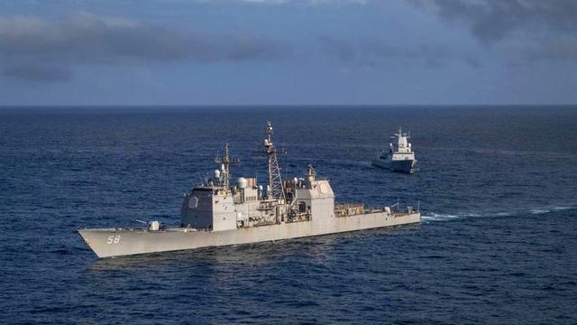 北约厉兵秣马!挪威宙斯盾舰与美巡洋舰在大西洋合练