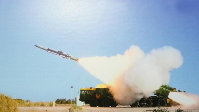 专打美舰!我鹰击12B超音速反舰导弹堪称海防新盾牌