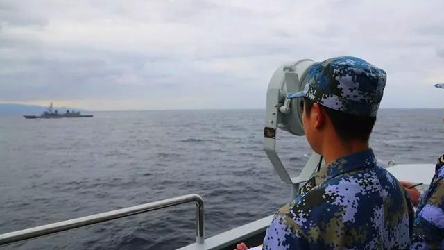 该出手时就出手!太原舰返航途中与日本海自舰艇联训