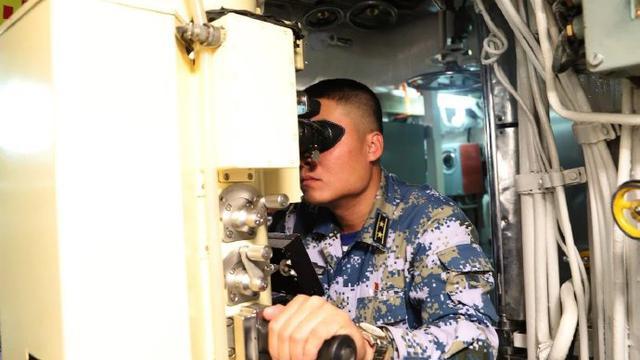 征战深海小蛟龙!我039型常规潜艇首艇内部照曝光