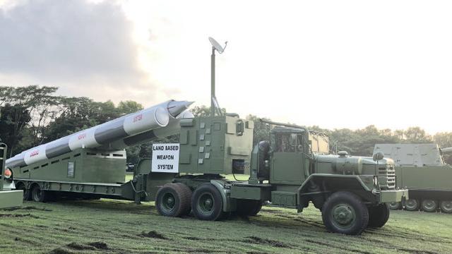 想用来打谁?菲律宾展出陆基布拉莫斯导弹模型