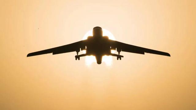 战神足迹遍布西太!空军发布轰6K美照记录服役历程