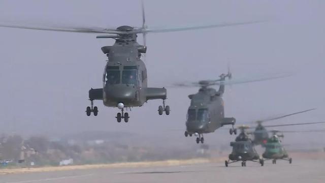 直8G领衔出场!第76集团军陆航旅多机型空地协同打击
