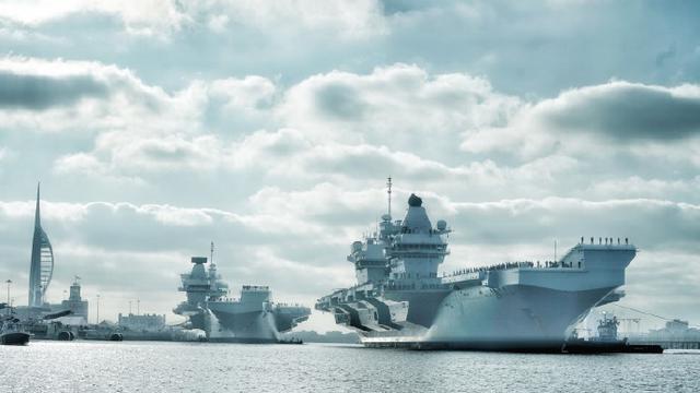 终于迎来双航母!英国海军第二艘女王级航母服役