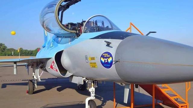 72周年庆!缅甸空军为2架枭龙双座战机等举行服役仪式