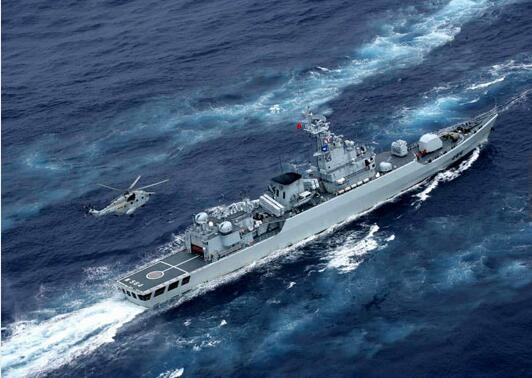 中国战舰参加演习