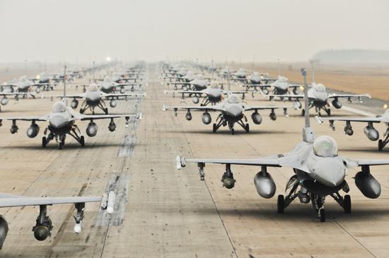 资料图:驻韩美军F16机群